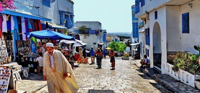 Ho conosciuto Cicciobello quella domenica di quaresima al mercato rionale di Cartagine, quando a causa della pioggia erano stati rinviati i festeggiamenti in memoria di Annibale. La mia curiosità era […]