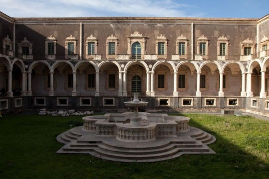 monastero-benedettini-luci-e-ombre