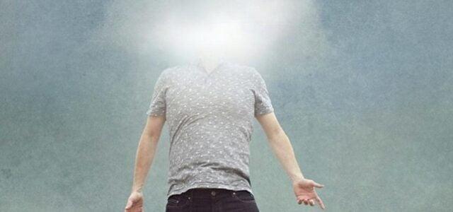 La testa di Giovannino volava da palo in frasca, come se fosse sospinta lontano dal vento: in un momento gli veniva in mente una cosa, poi subito un'altra, ma presto […]