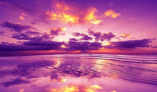 Nel silenzio di questa sera vibra il passato, leggero ed ineluttabile come musica nel tramonto viola. Amore, poni le tue mani fra le mie, stringi l'ansia del nostro poema, ha […]