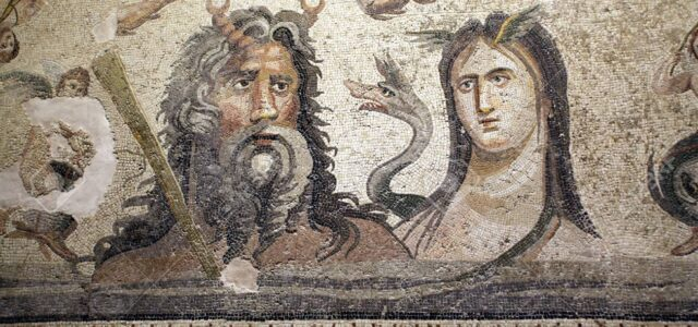 — L'hai vista la cuginetta Mnemosine come s'è fatta bella? — O Zeus, tieni a cura, con i tuoi appetiti, Hera è vendicativa e lo sai! — Mio caro Prometeo, […]
